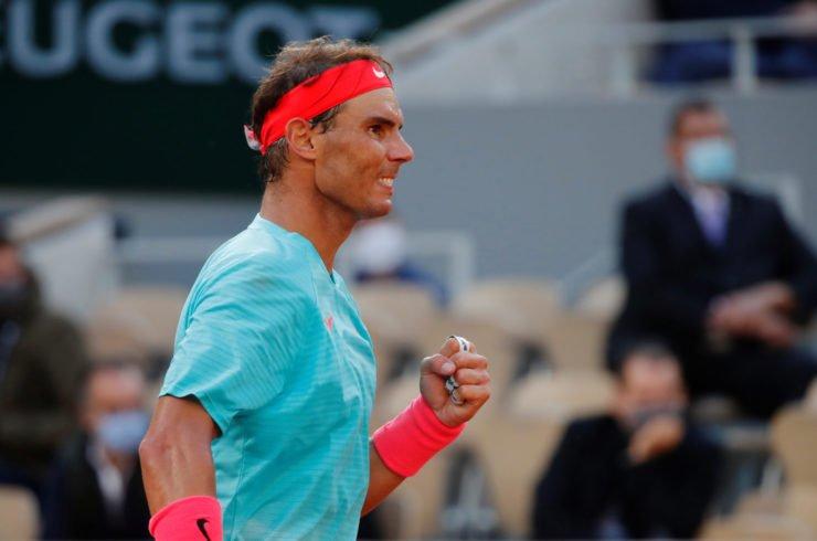 纳达尔庆祝他的胜利在法国网球公开赛2020