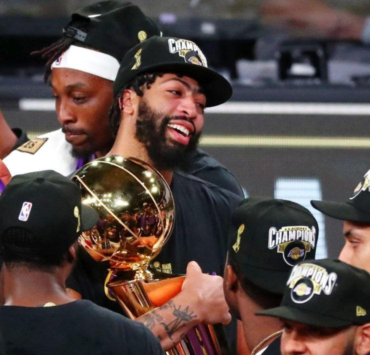 Anthony Davis celebrates with the 2020 Finals trophy