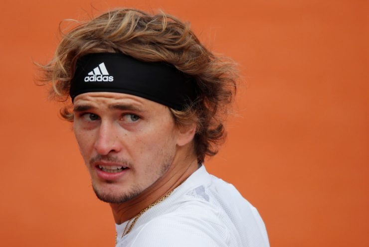 ALexander Zverev reacts in the French Open 2020
