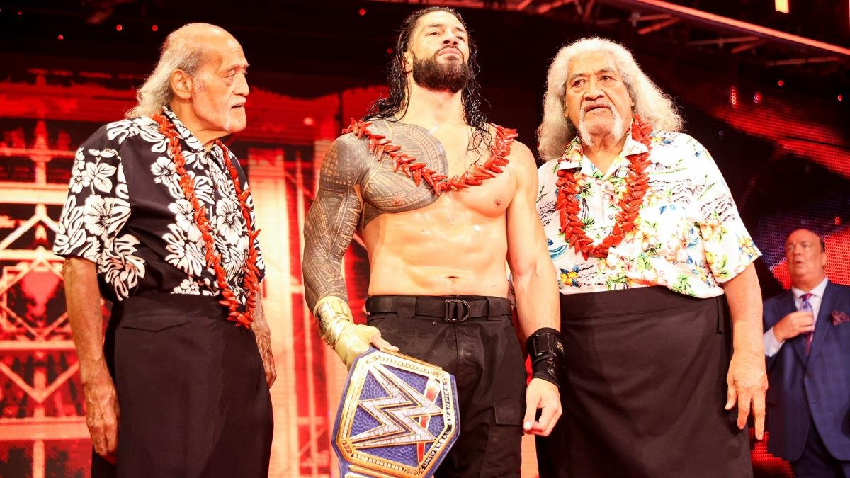 Reigns stands tall with The Wild Samoans at Hell In A Cell
