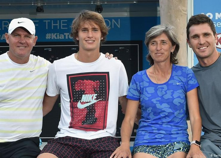 Alexander Zverev posing for a picture with his family.