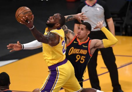 WATCH: Reggie Miller Can't Believe LeBron James Is in Year 19 as He Pulls Off His Evergreen Spin Move vs Warriors