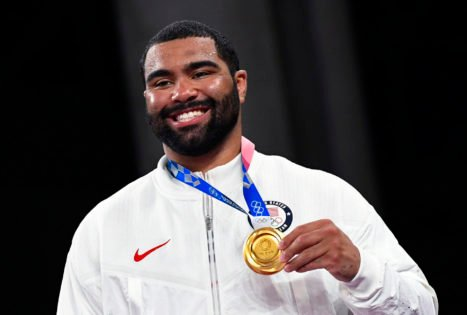 """""""I Would Bet on the NFL"""" – Gable Steveson Drops a Major Hint on Pursuing an NFL Career After Tokyo Olympics Victory"""