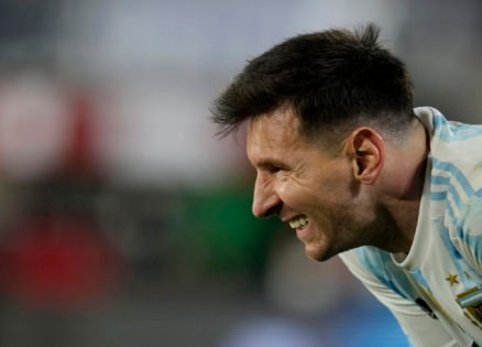 Messi Silences Pele by Breaking His Record With a Weak-Footed Goal
