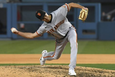 San Francisco Giants Pitcher Uses This Genius Technique to Confuse Hitters