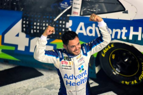 """""""I Don't Think it Hurt"""" – Kyle Larson on His Race-Winning Defence Against Kevin Harvick"""