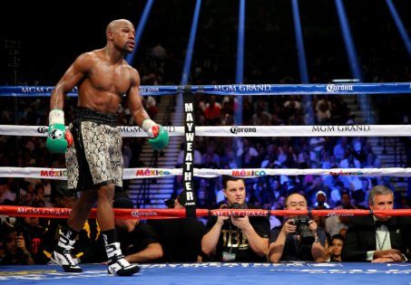 Floyd Mayweather Height – Is He Even 5 Ft Tall?