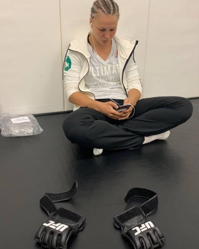 Eliberarea UFC de către Dana White a lui Cris Cyborg face ca Twitter să erupă