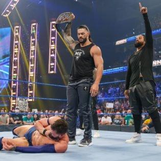 WATCH: Roman Reigns Puts Finn Bálor to Sleep on WWE SmackDown!