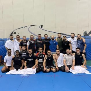 """""""He Is the Real Leader""""- Khabib Nurmagomedov's Coach Explains What Khabib Nurmagomedov Has Been Doing With His Teammates"""