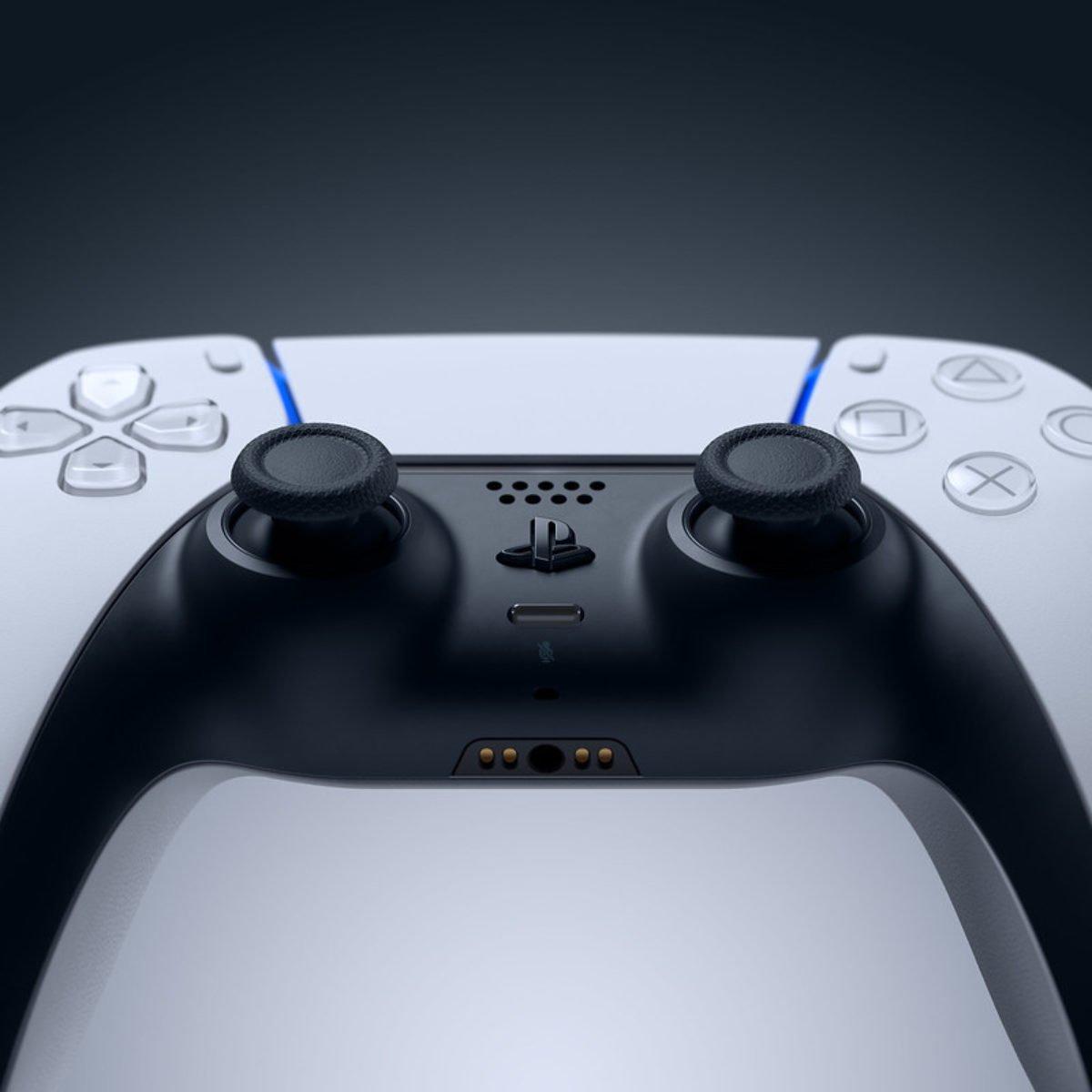 Có nên dùng Dual Sense đi kèm PS5 hay không?