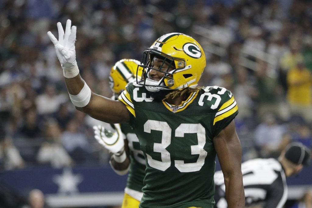Hold On Bro Miami Dolphins Linebacker Reacts To Aaron Jones Carrying His Ps4 To His Wife S Delivery Essentiallysports