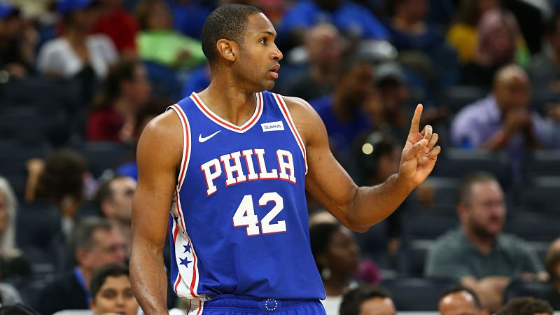 Al Horford playing for Philadelphia 76ers