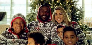Antonio Brown along with Chelsie Kyriss and kids