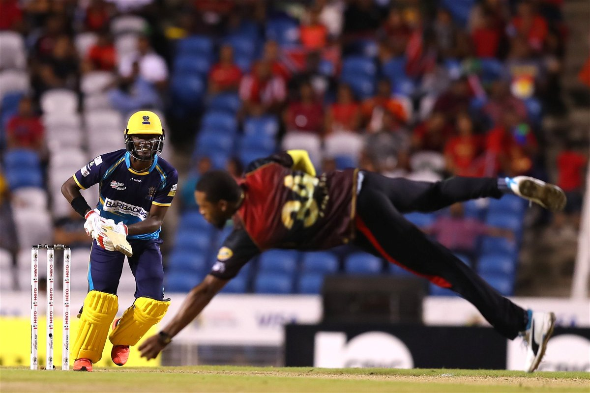 Chris Jordan taking a flying catch in the CPL 2019 qualifier 2