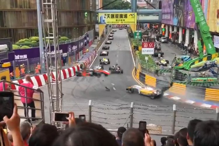 Huge Macau GP Crash Saw Formula 3 Car Flying Off Race Track