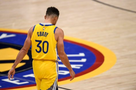 'Stick to Shooting': Stephen Curry Gets Clowned After an Embarrassing Failed Dunk