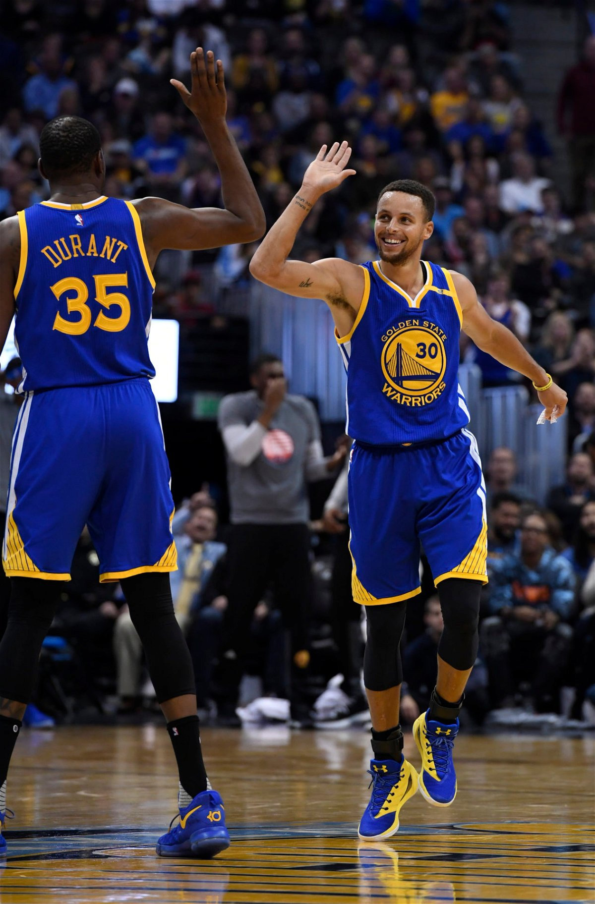 Winning Against Lebron James Isiah Thomas Has Special Words Of Appreciation For Steph Curry Essentiallysports
