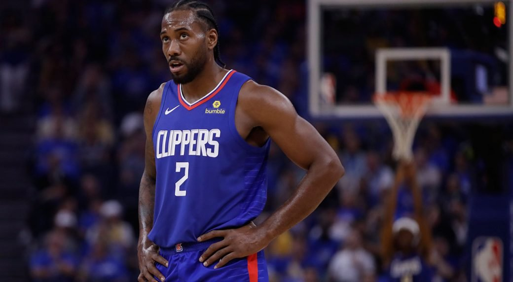 Kawhi Leonard in Los Angeles Clippers jersey