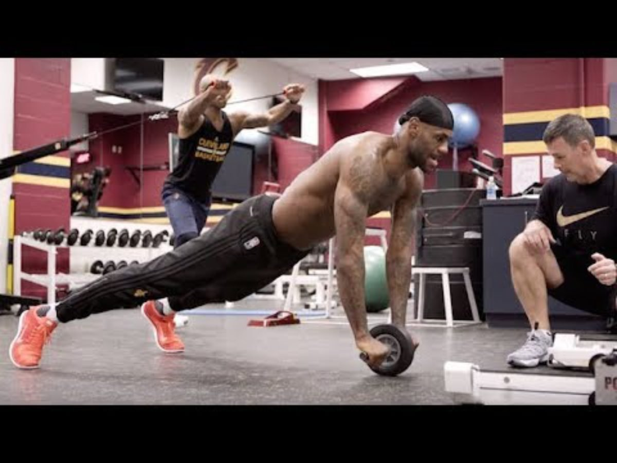 The Hardcore Workout Routine Of Lebron James Here Is How The King Takes Care Of His Body Essentiallysports
