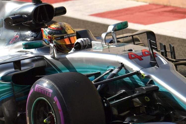Hamilton dismisses Ferrari