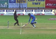 Ravindra Jadeja falling short of the crease