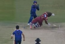 Andre Russell facing a bouncer from leg spinner Qais Ahmed in the Abu Dhabi T10 League