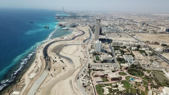WATCH: Saudi Arabian Grand Prix Dazzles Under the Lights in Latest Photos