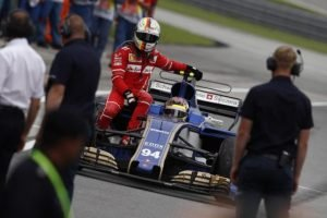Vettel hitched a ride after his car got hit, possibilities of a gearbox change