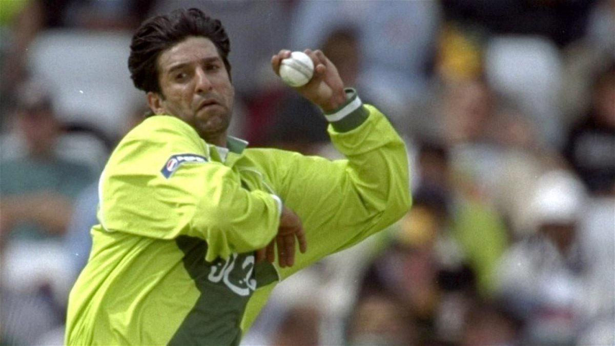 Wasim Akram Talks about the Importance of Picking Wickets in an ...