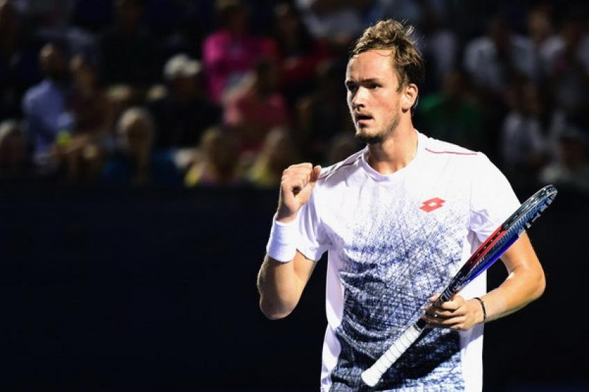 Daniil Medvedev tops Marton Fucsovics to win the title — ATP Sofia