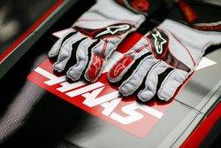 Biometric Gloves for 2018 F1 Season