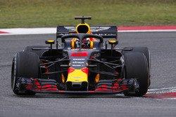 Ricciardo reigns