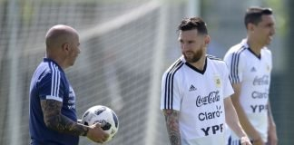 Sampaoli with Leo Messi