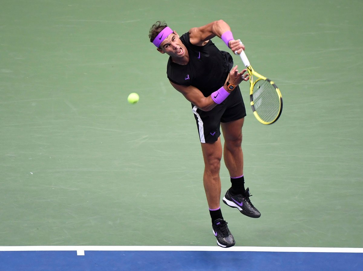 """""""She is Angry""""- Serena Williams' Coach Patrick Mouratoglou Opens up on Australian Open Loss - EssentiallySports %"""