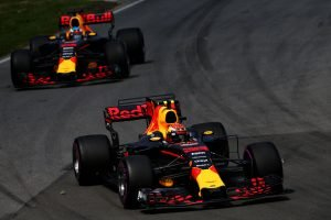 Ricciardo and teammate
