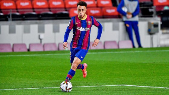 USA Star Sergino Dest to Stay in Barcelona Amidst Premier League Interest