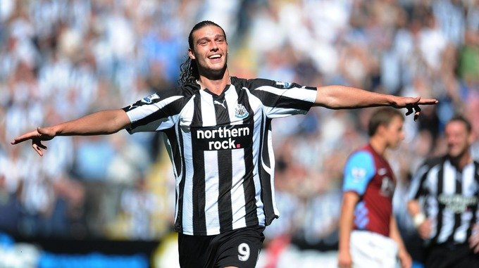 Andy Carroll made an emotional return to Newcastle United on deadline day.
